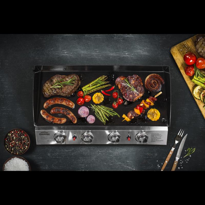 Gas_burner_plancha_cooking_food